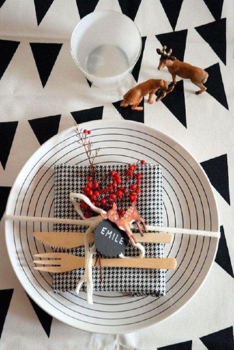 modern holiday table idea